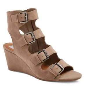 DV by Dolce vita buckle wedge brown sandals shoes